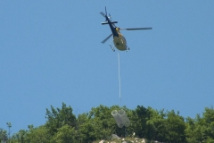 elicottero reti paramassi